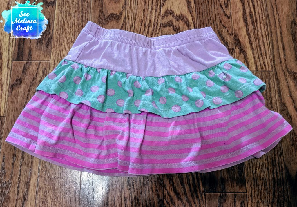 Inspiration skort for how to upcycle old clothes into a skort